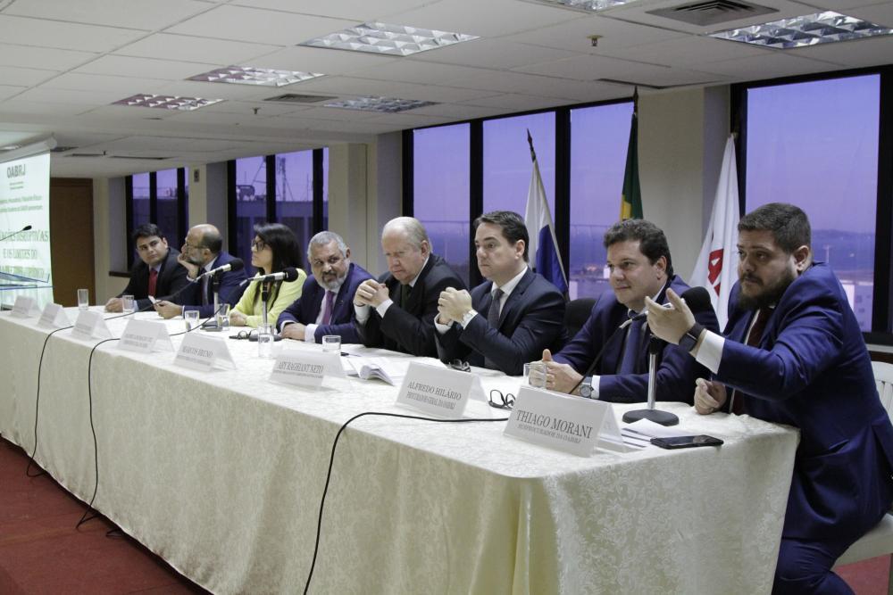 Segunda mesa, à tarde  / Foto: Lula Aparício