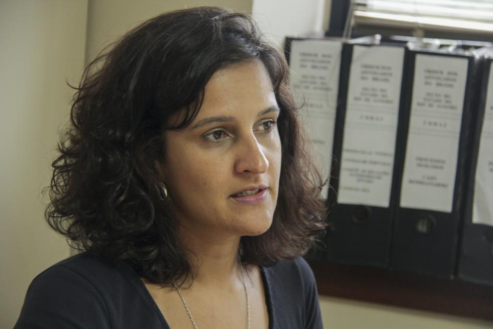Aline Caldeira, membro da CDH, defende que o crime é um ataque à toda sociedade brasileira  / Foto: Bruno Marins