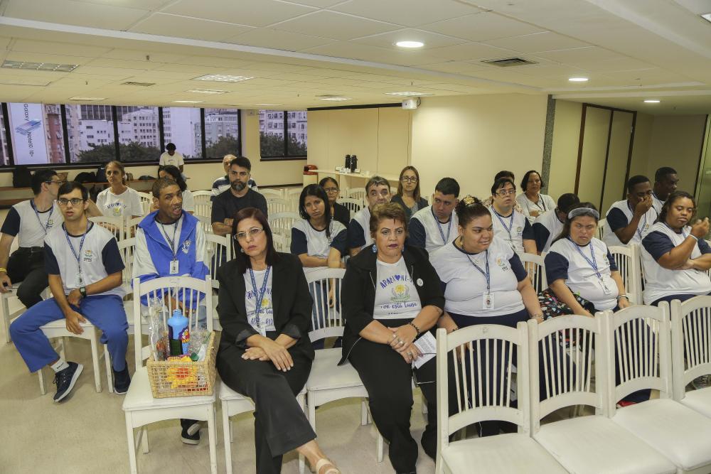 Pela manhã, Apae/RJ esteve na Ordem para oficinas / Foto: Lula Aparício