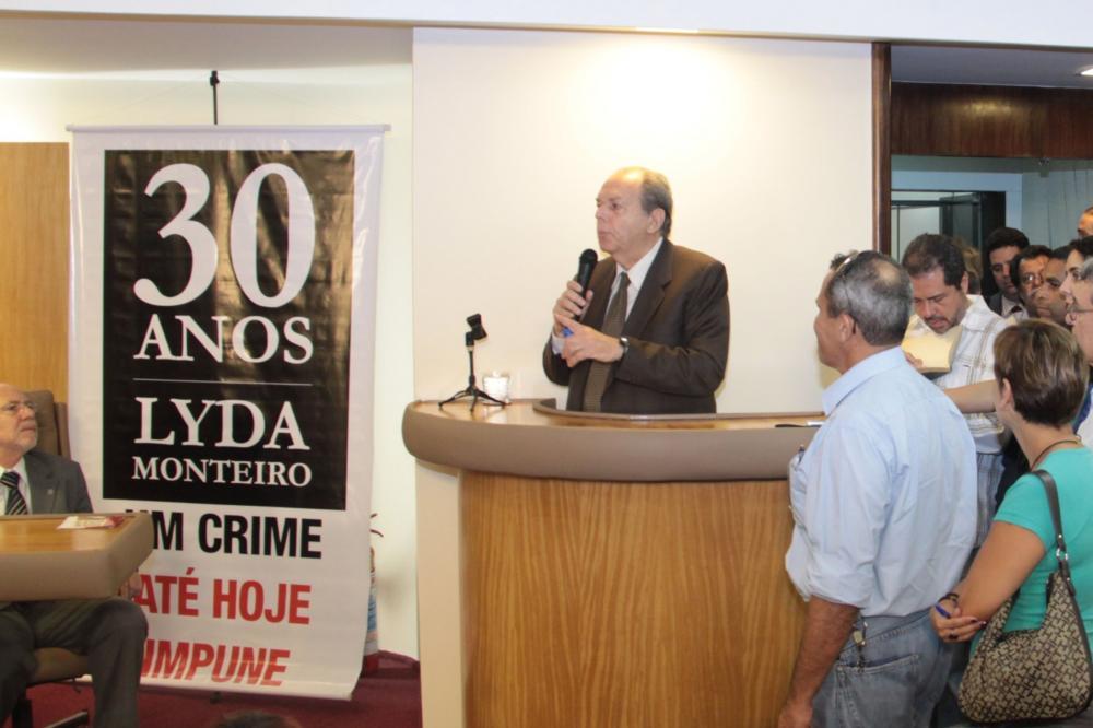 Em 2010, Seabra participou de cerimônia da Seccional que marcou os 30 anos da morte de sua ex-secretária / Foto: Francisco Teixeira