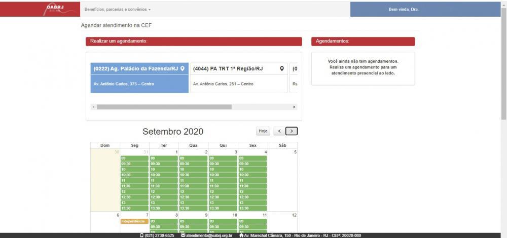 Ao selecionar a agência, aparecerá um calendário com os horários disponíveis (em verde) nos dias do mês.
