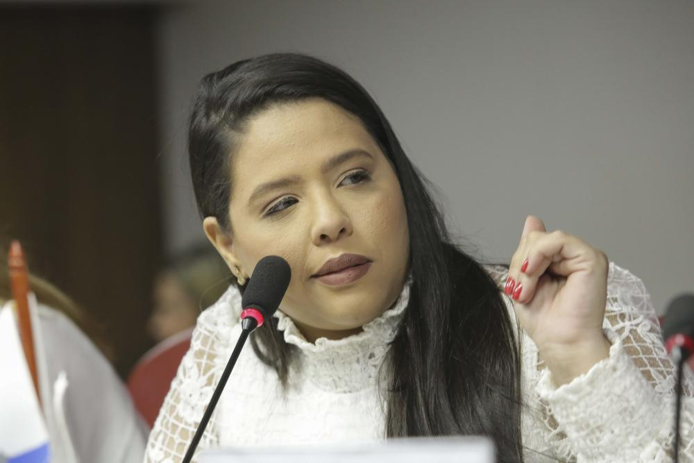 Sarah Barros / Foto: Lula Aparício