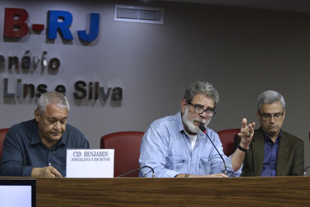 Cid; o presidente da comissão organizadora, Marcelo Chalreo; e Magalhães / Foto: Luciana Botelho