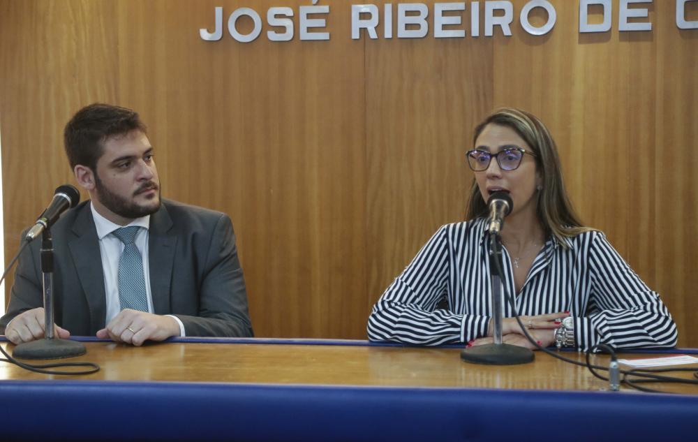 Michel Grumach e Nathalia Ribeiro / Foto: Lula Aparício