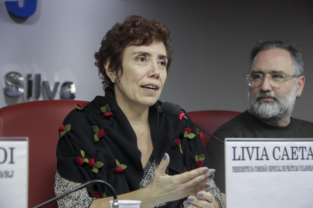 Lívia Caetano / Foto: Lula Aparício