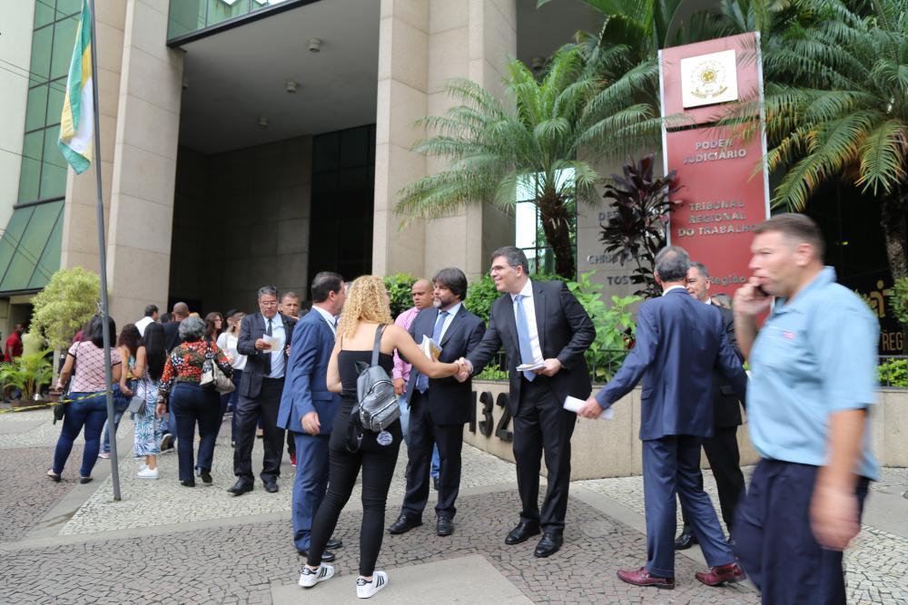 Panfletagem foi realizada na manhã desta terça-feira, dia 4 / Foto: Lula Aparício