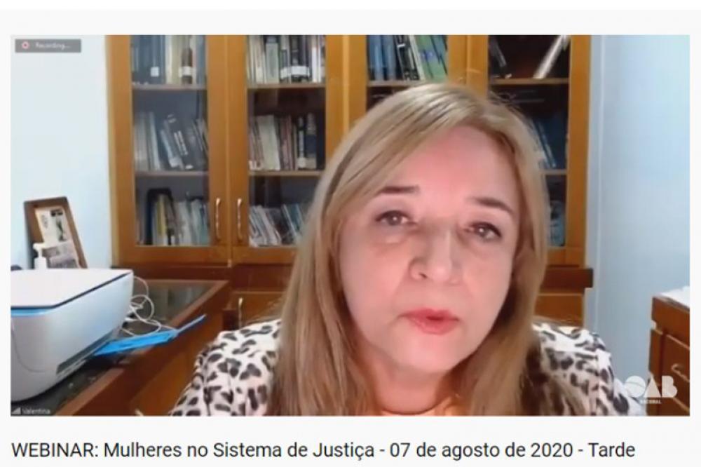 Autora do projeto pela paridade de gênero nas eleições da OAB, a conselheira federal Valentina Jungmann também participou deste painel