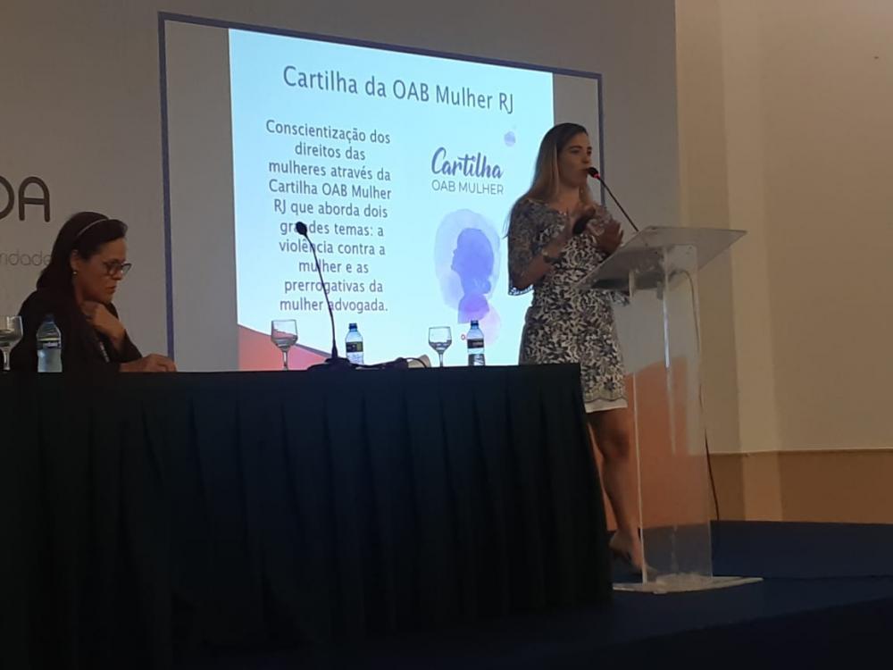 Rebeca Servaes no painel de apresentação das comissões de mulher advogada do sistema OAB / Foto: Acervo Pessoal